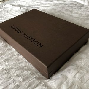 ⚜️ Louis Vuitton Gift Box - New condition